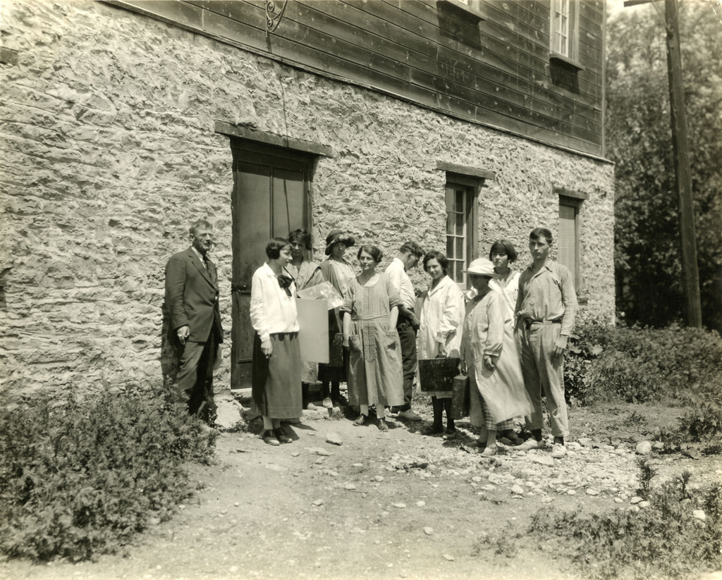 G.S. Menzie, OCA students in front of the Grange (September 1922)
