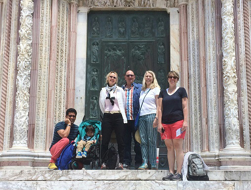 IAMD MFA group in front of Siena Duomo (Photo by Camila Justino)