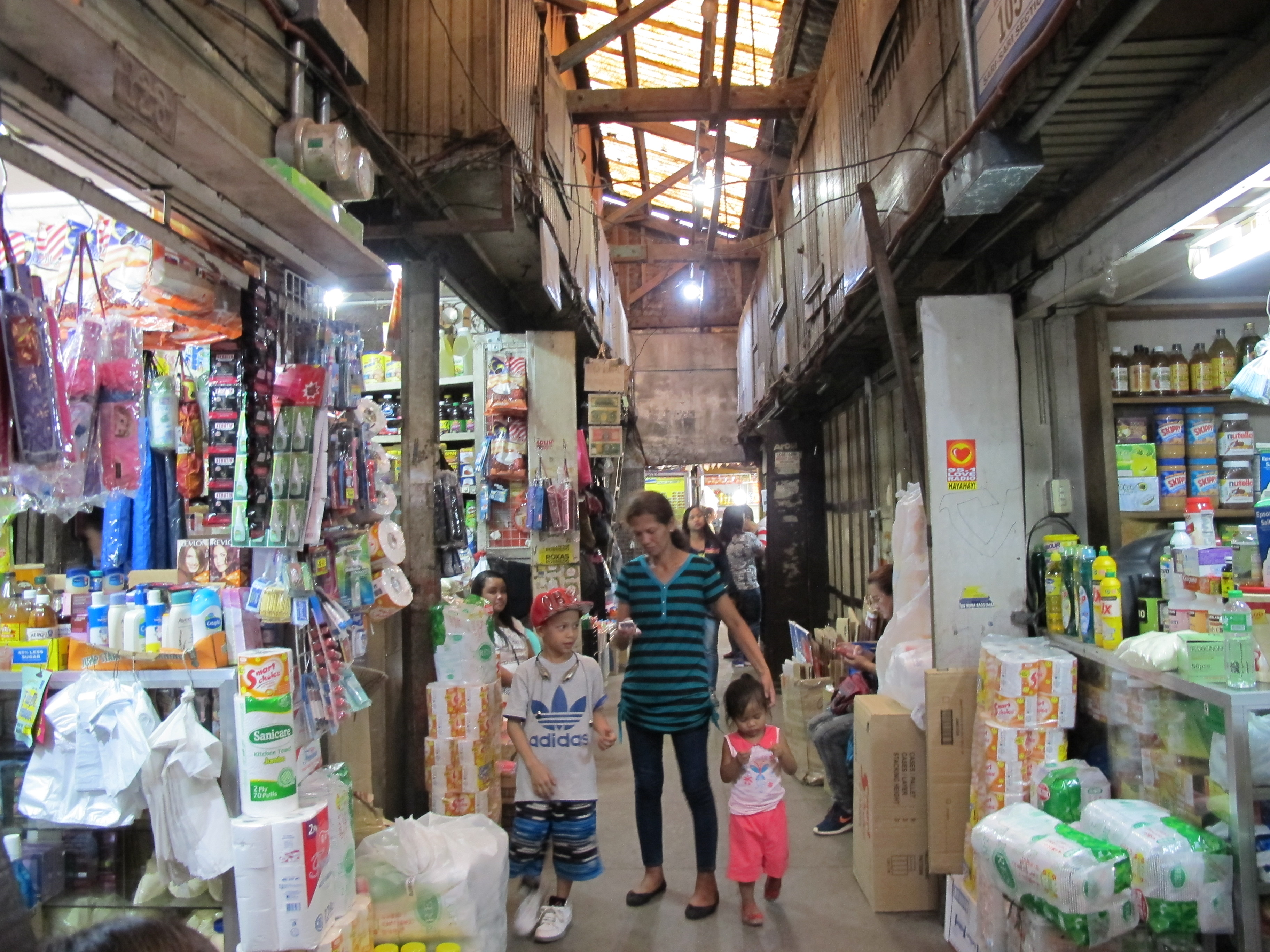 Photograph of Bagiuo City Public Market, dry goods section