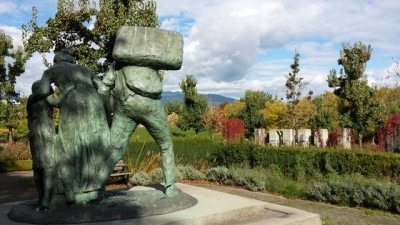 The Immigrants, 2000, Sergio Comacchio, Italian Garden (Hastings Park), Vancouver. © Analays Alvarez