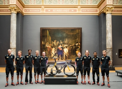 The MTN-Qhubeka team and bike at the Rijksmuseum in Amsterdam in front of The Night Watch by Rembrandt. Photo by Gruber Images.