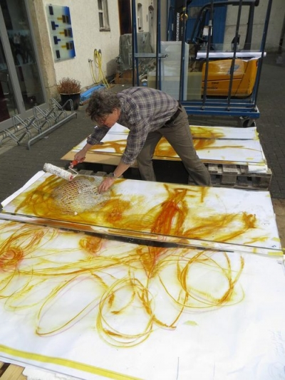 Artist Stuart Reid at work