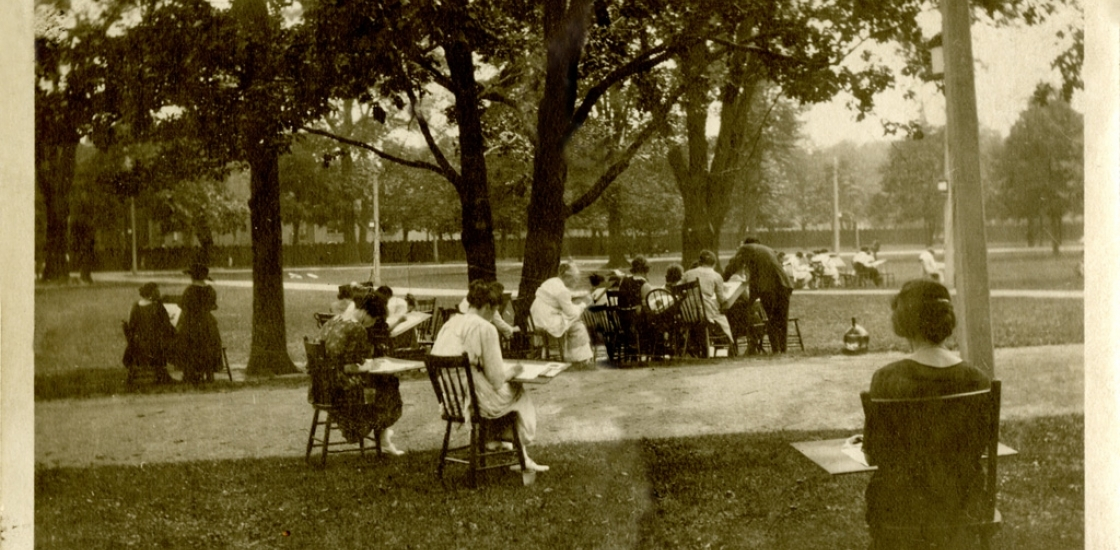 image of people drawing