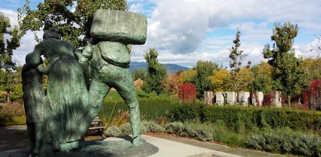 The Immigrants, 2000, Sergio Comacchio, Italian Garden (Hastings Park), Vancouver. © Analays Alvarez