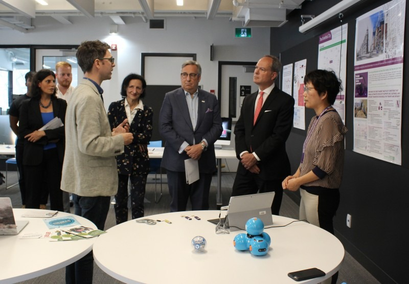 Honourable Peter Bethlenfalvy visits OCAD U