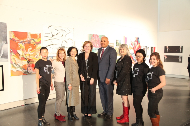 Sara Diamond with OCAD Students and Government Leaders