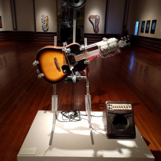 photo of guitar machine robot