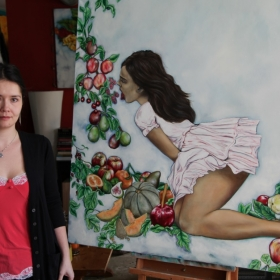 Image of Laura and her artwork