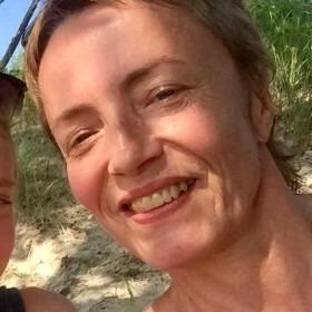Dr Emma Westecott