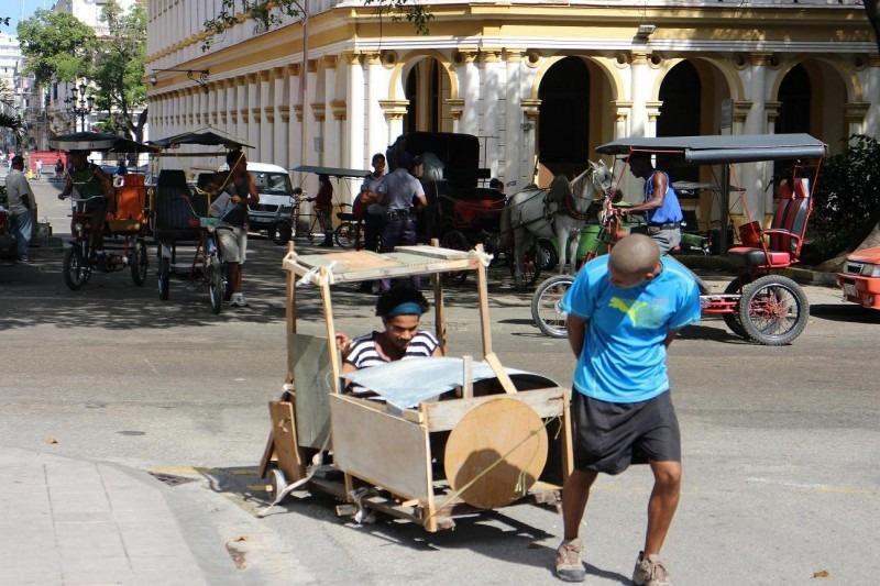 Luis Manuel Otero's Vehicule