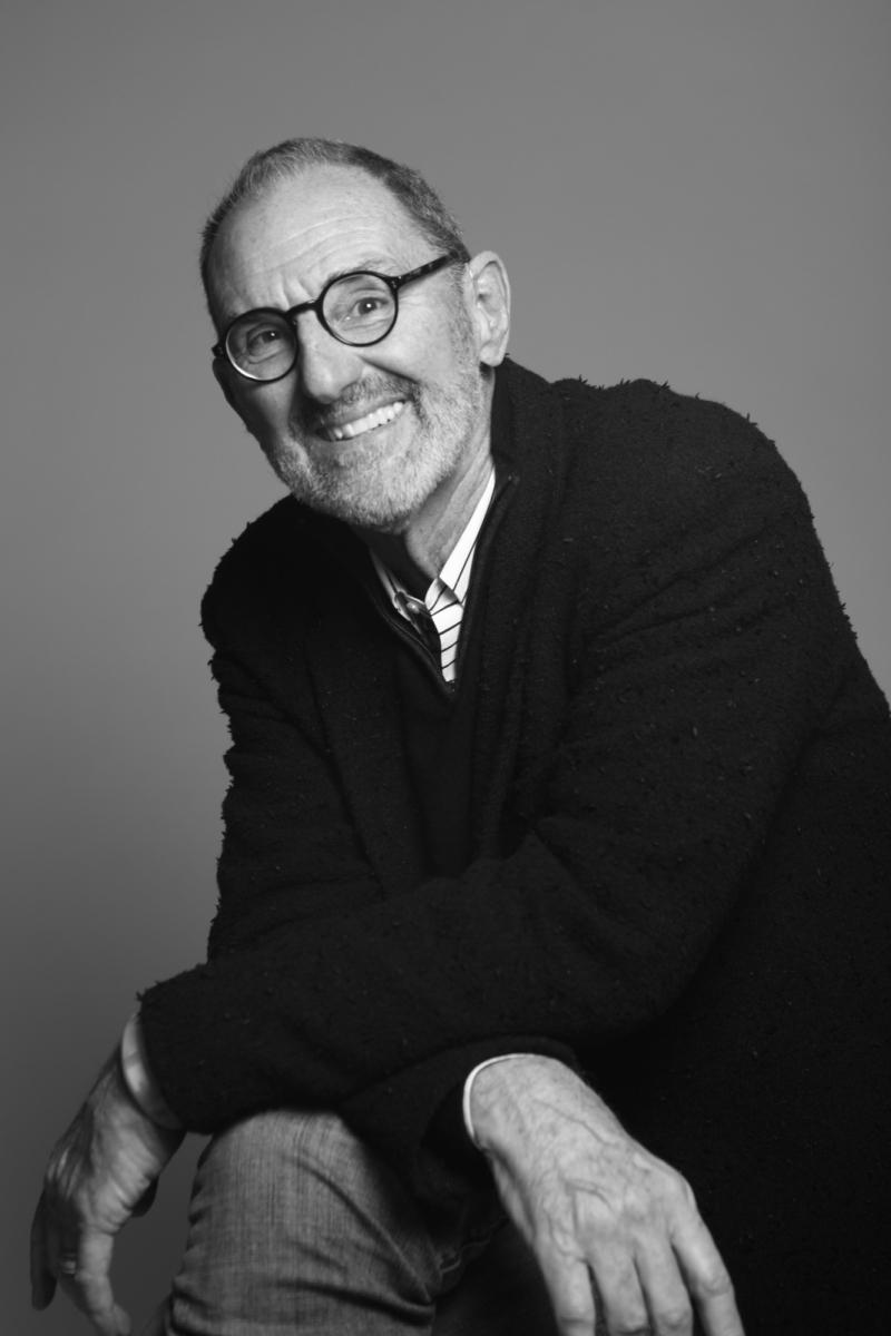 Black and White portrait of Thom Mayne